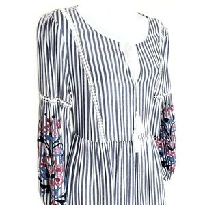 CUPCAKES and CASHMERE Chambray Striped Dress M